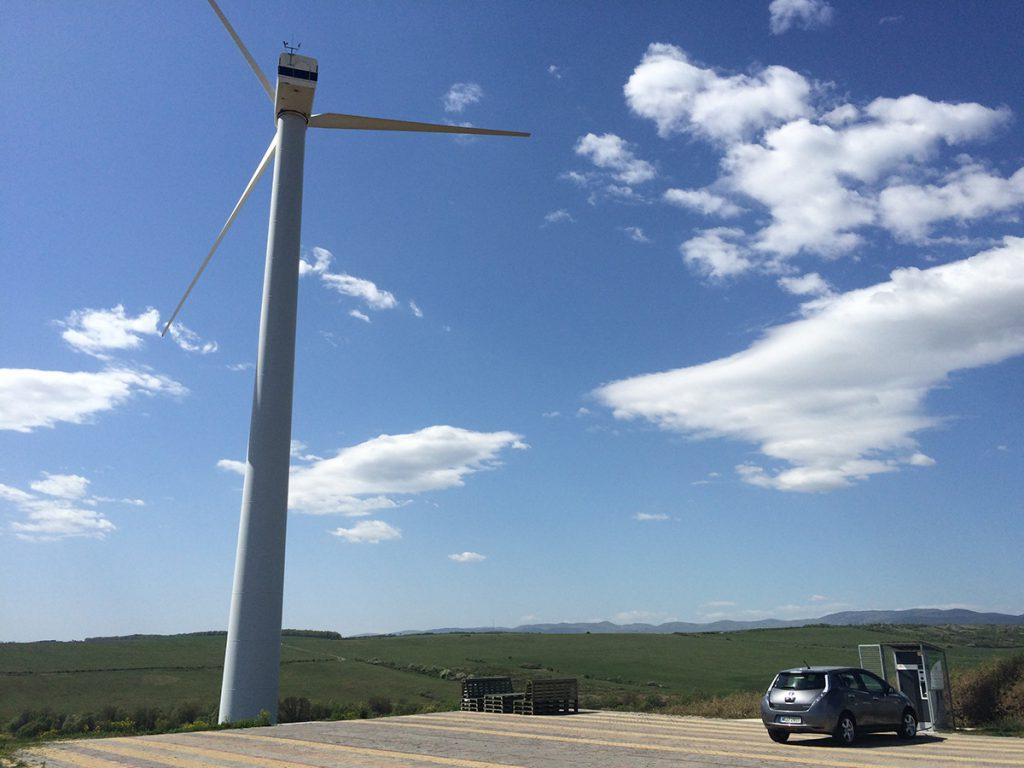 Megújuló energiával töltő bükkaranyosi villámtöltő