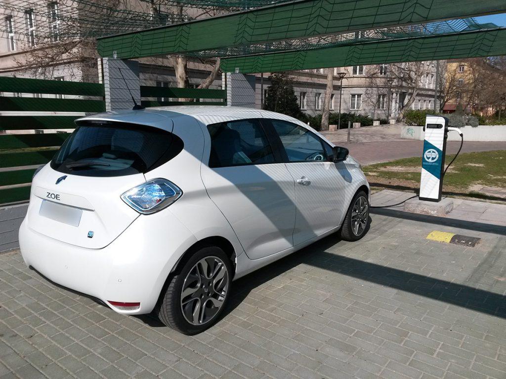 Dunaújvárosi Főiskola elektromos autó töltője