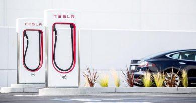 Több ezer új Supercharger állomással bővülhet hamarosan a Tesla töltőhálózata