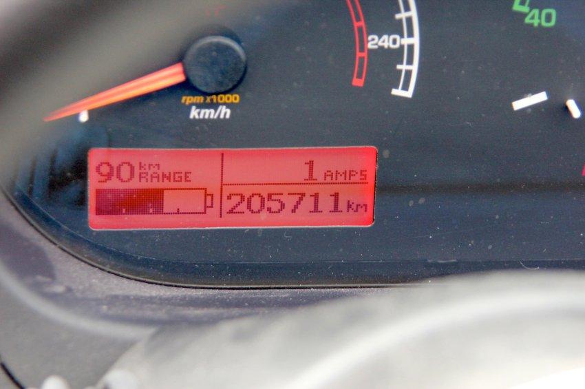 Tesla Roadster 200 000 km-rel