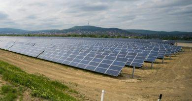 Paksnál is olcsóbb lett a napenergia