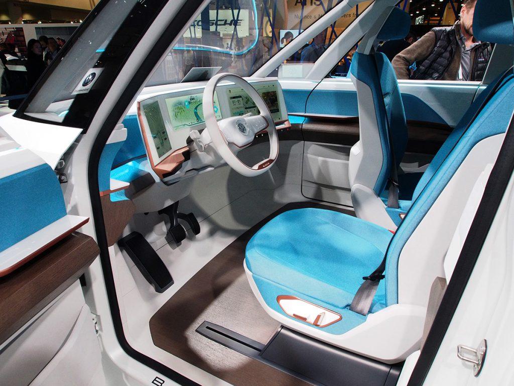 Volkswagen Budd-e tanulmányautó futurisztikus belsővel