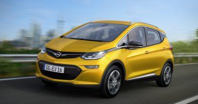 Párizsban debütál az Opel Ampera-e