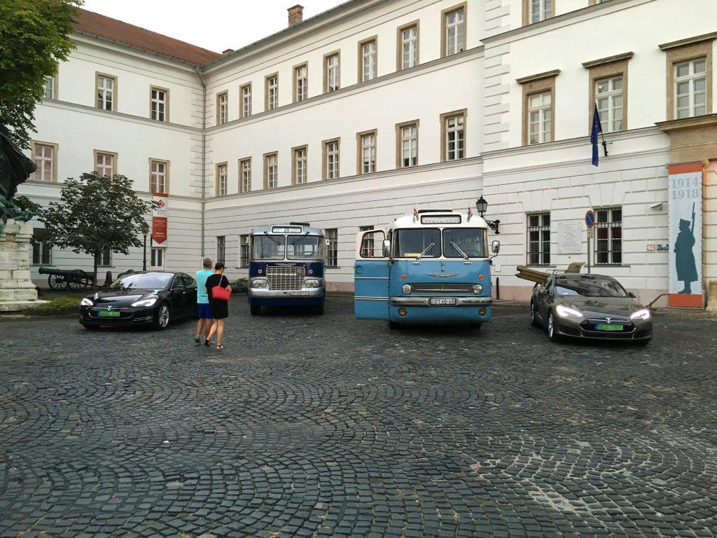 Villanyautósok találkozója 2016. augusztus Kapisztrán tér