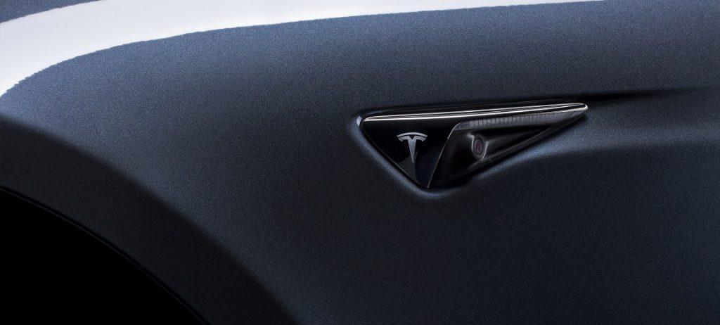 Kamera az új Teslákon (forrás: Tesla)