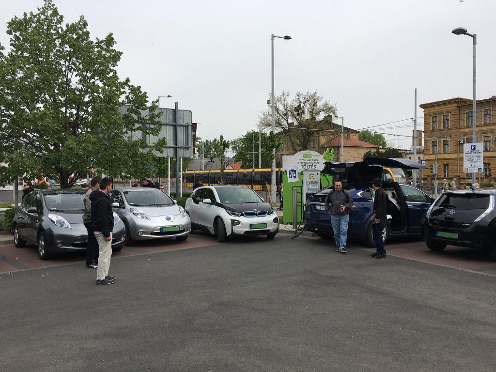 Villanyautósok találkozója Tesla Bjørnnal Budapesten