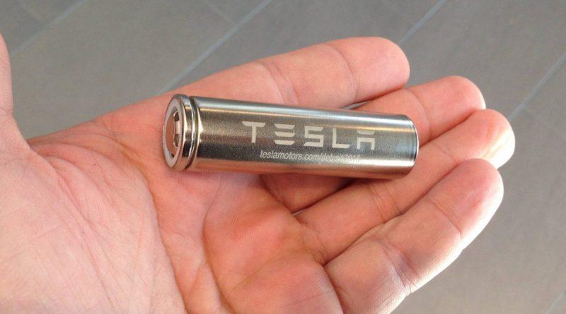 Új akkucellán dolgozik a Tesla