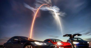 SpaceX hajtómű az új Roadsteren?