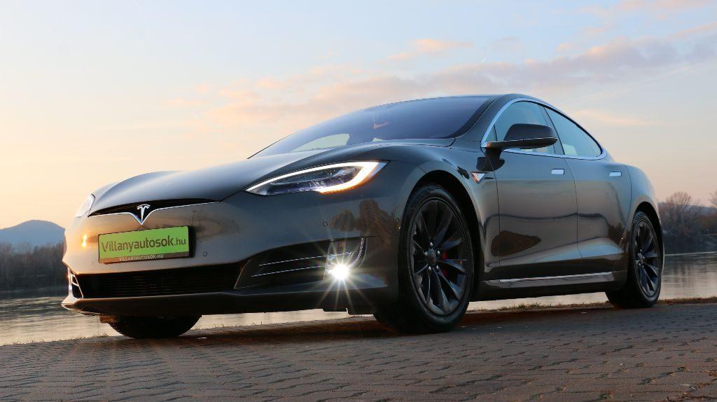 Tesla Model S elektromos autó