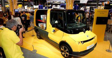 A posta teszteli a Renault EZ-FLEX kisteherautóját