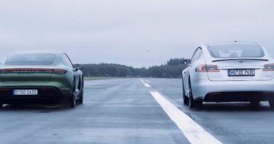 Videó: Így gyorsulja le a Porsche Taycan a 2017-es Tesla Model S-t