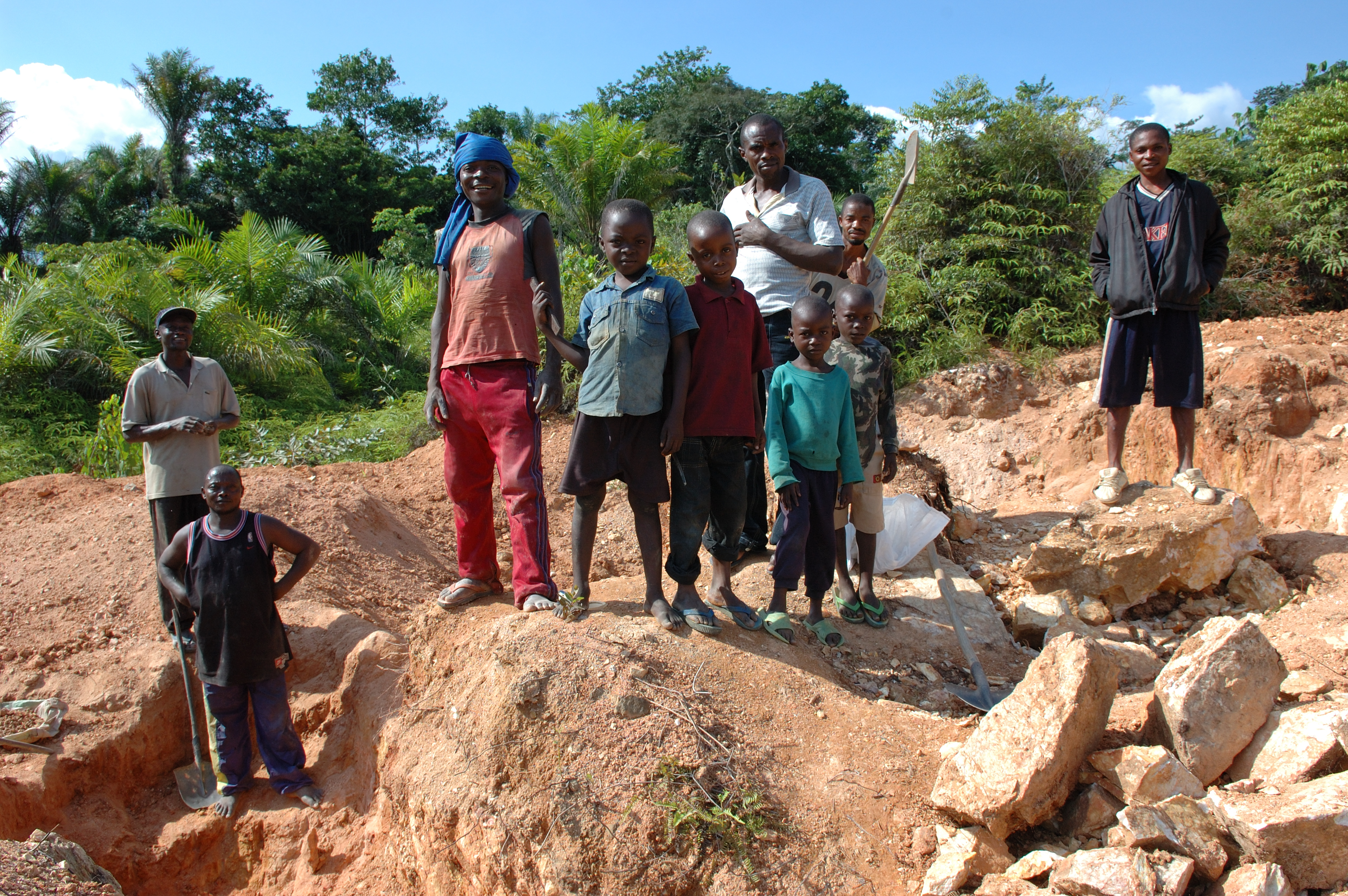 Artisanal mining, Child labour, Flickr images uploaded by Flickr upload bot, Mining in the Democratic Republic of the Congo, Tin mining, Tungsten