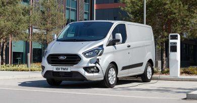 Két hónap után leállították a konnektoros Ford Transit rendelését