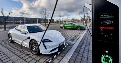 Ingyen használhatók a Porsche új 350 kW-os töltői
