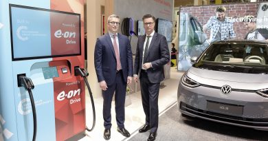 Akkuval támogatott ultragyors töltőt készít a Volkswagen és az E.ON