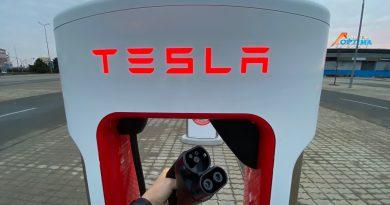 Ingyenes Supercharger használattal segít a Tesla az árvízzel sújtott régiókban