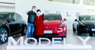 Európába érkezhet a kínai Model Y, októberben jön a Model S Plaid