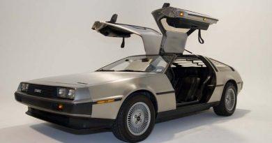 Újra gyártásba mehet a DeLorean DMC 12