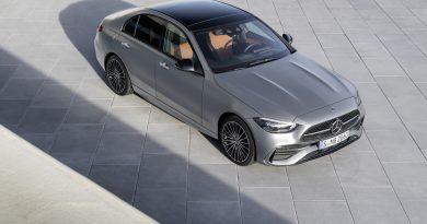 100 kilométert is elmegy elektromosan az új hibrid Mercedes