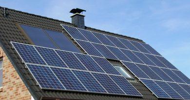 Sokba kerülhet a napelem-tulajdonosoknak a szolgáltatóváltás