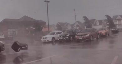 Így néz ki egy tornádó a Tesla kamerájával rögzítve